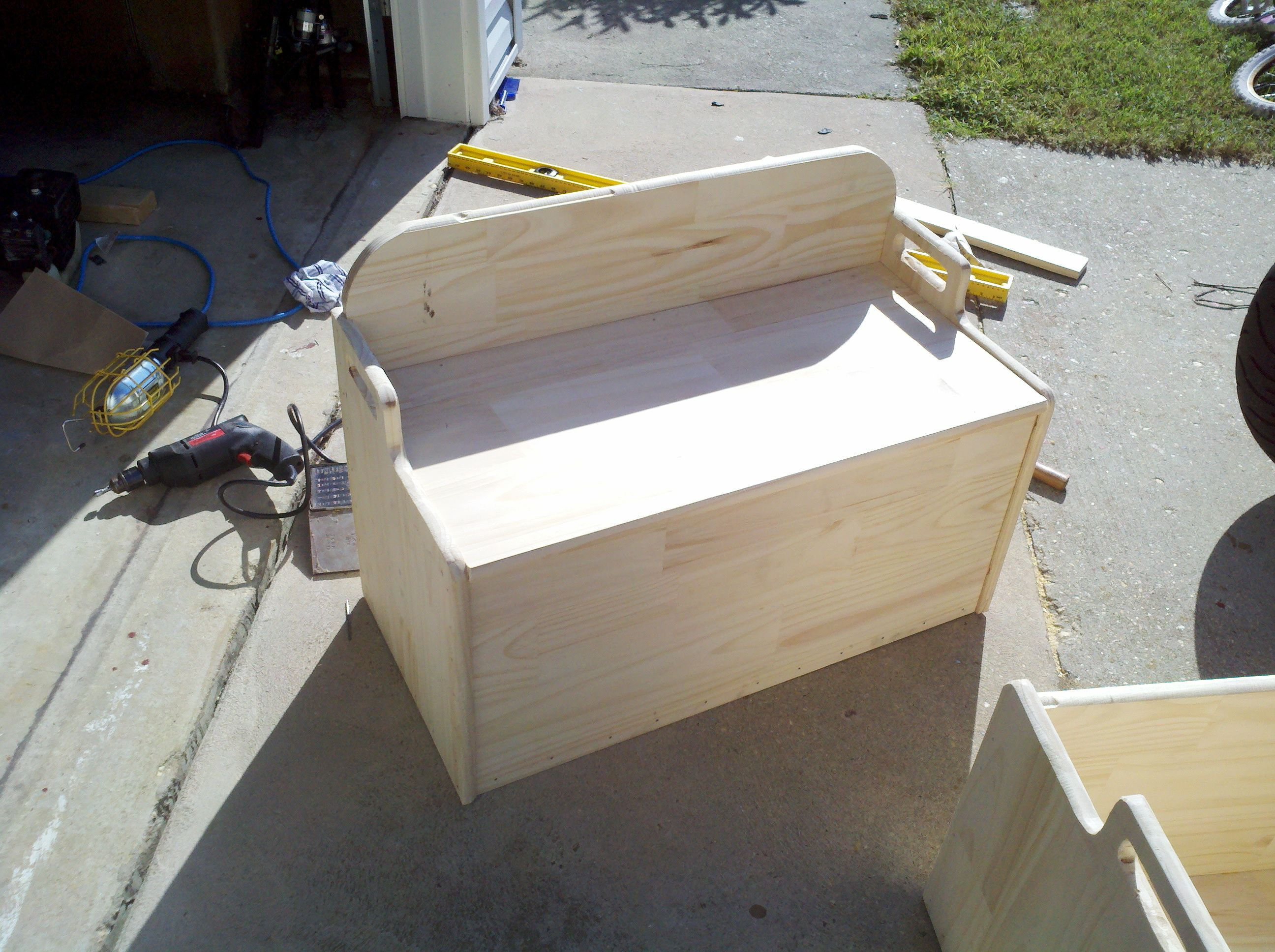 Download Build Your Own Toy Box Plans build easy playhouse plans »